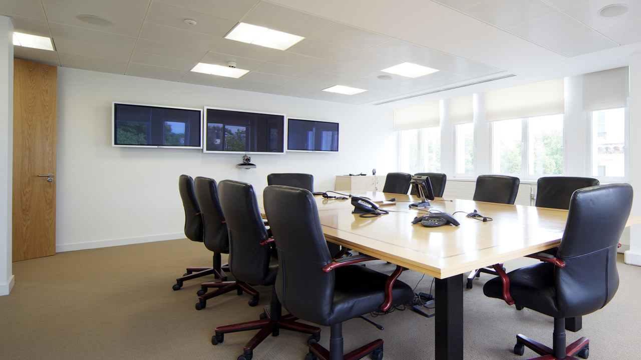 office-design-for-Perry-Capital-8_3840x2160_acf_cropped-1