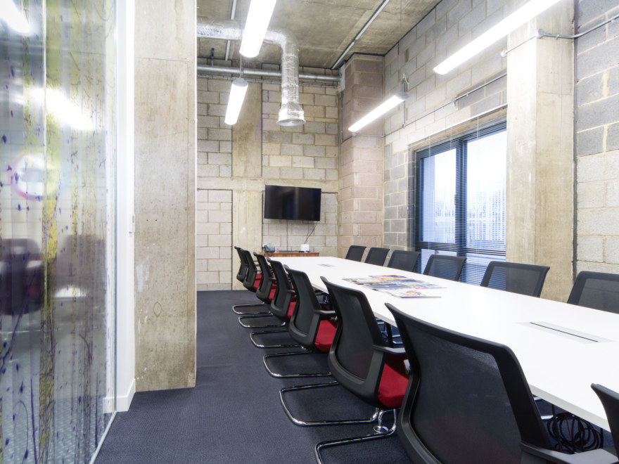 office-design-for-Ink-Global-2_2640x1980_acf_cropped