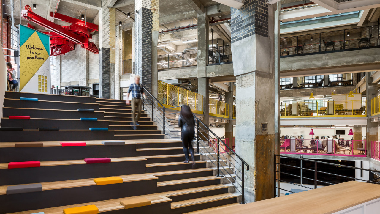 How to Create the Best Visitor Experience with Your Office Design